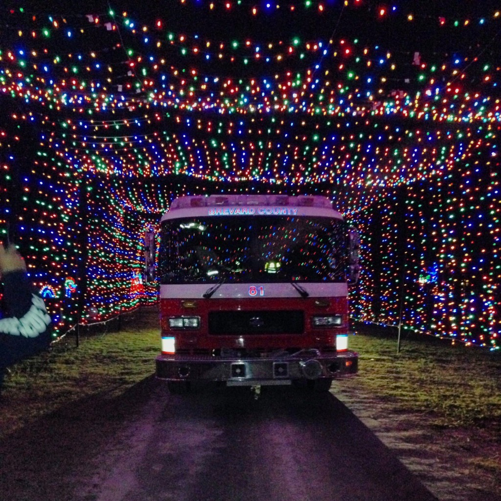 Space Coast Lightfest Your Incredible Christmas Light Drivethrough - Wickham park car show melbourne fl